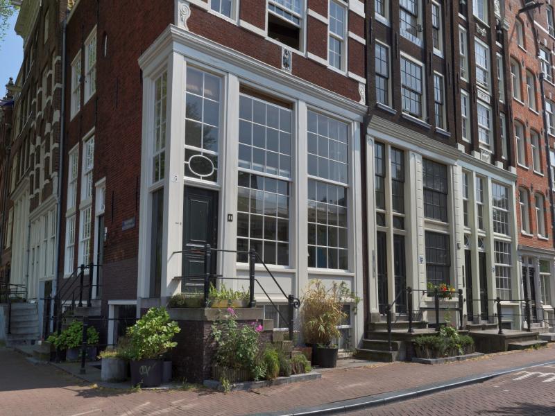 Korte Prinsengracht met onderpui die de hoek omloopt - fotograaf Sjors van Dam.jpg