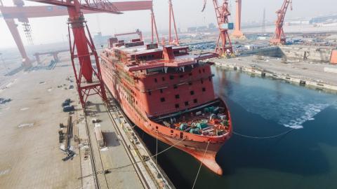 De Global Mercy tijdens de bouw in China. | Foto: copyright Mercy Ships
