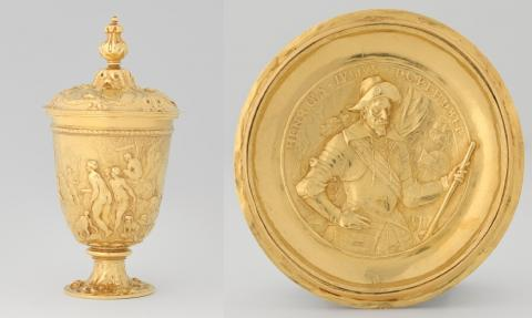 De gouden beker op foto's van het Rijksmuseum.